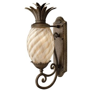 Great Terry Traditional 1 Light Outdoor Pineapple Shaped Wall Lantern