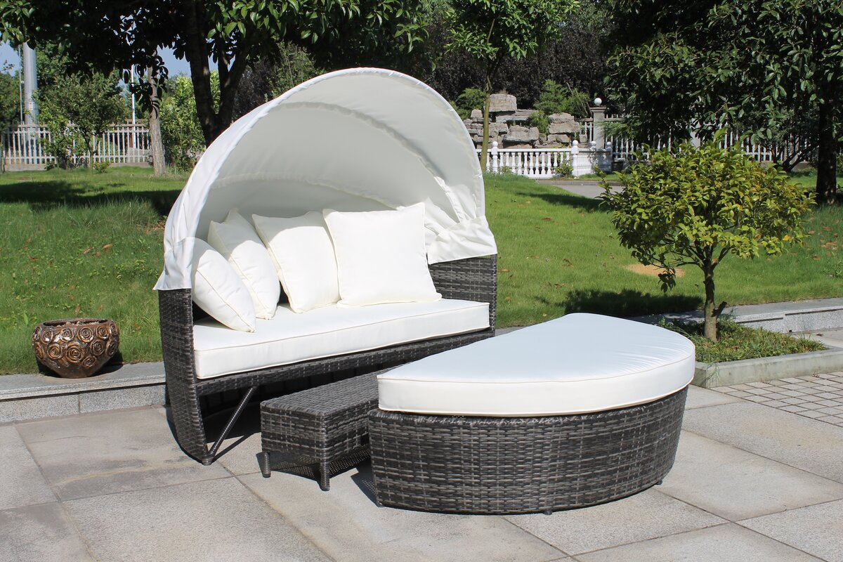 Sogno Delux Covered Daybed with Cushion