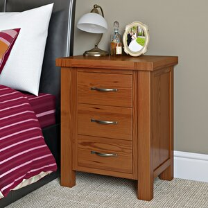 Nachttisch Inishturlin mit 3 Schubladen von Homestead Living