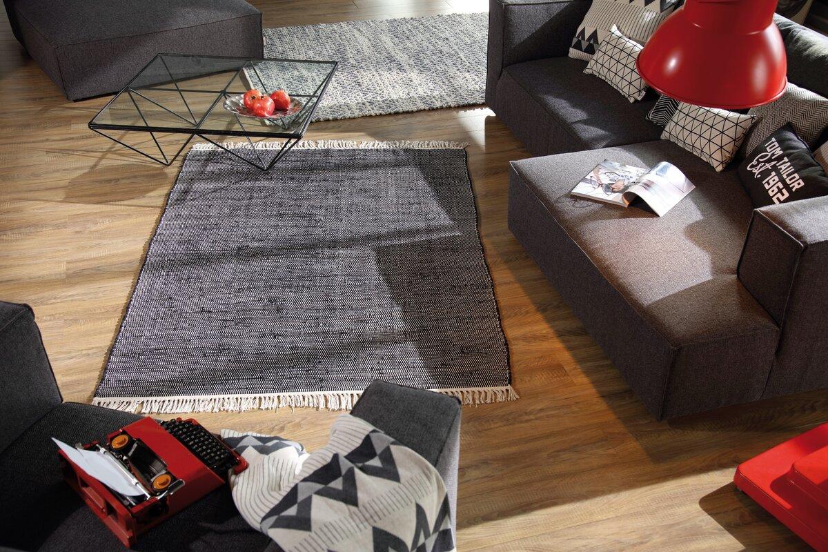 tom tailor handgefertigter teppich aus wolle bewertungen. Black Bedroom Furniture Sets. Home Design Ideas