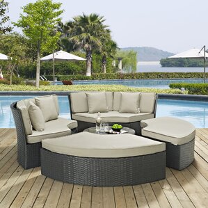 Great Sojourn Daybed With Cushions