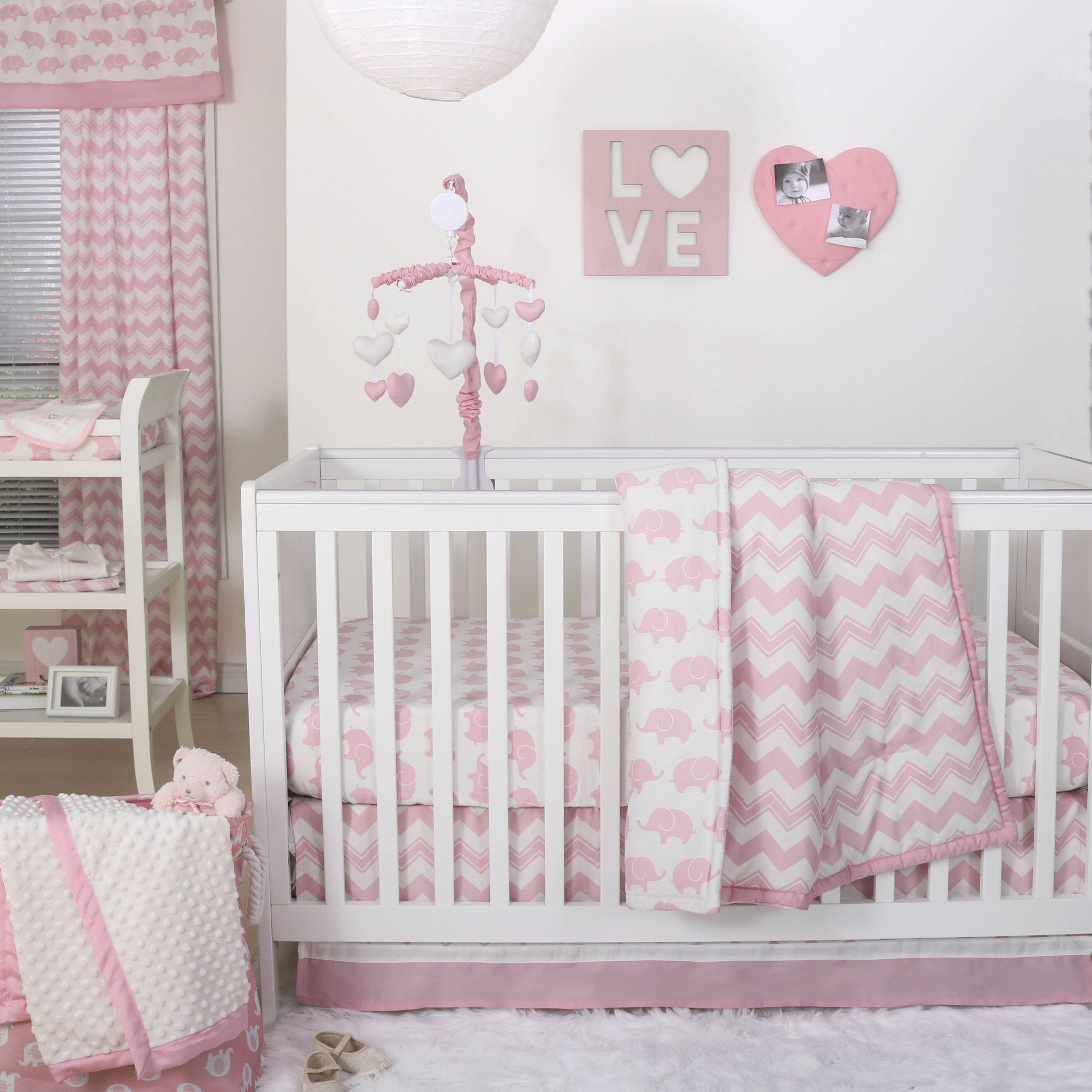 03000c2edcde The Peanut Shell Ellie Chevron 4 Piece Crib Bedding Set