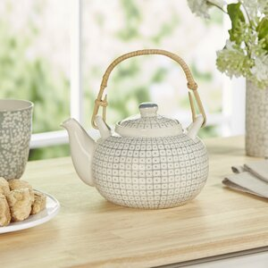 Gertrude Teapot