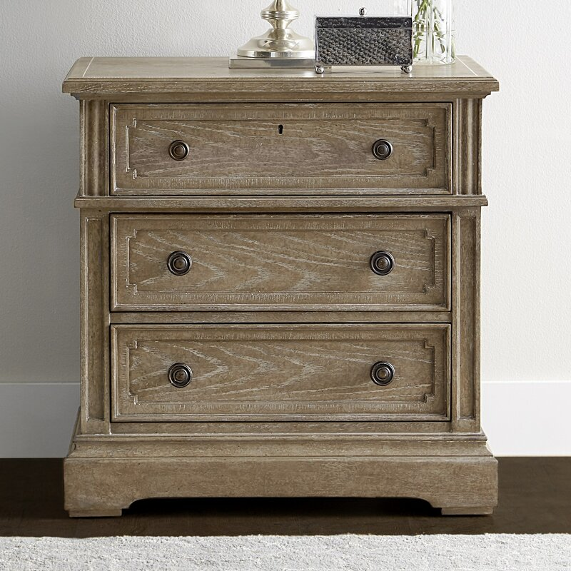 Wethersfield Estate 3 Drawer Bachelor S Chest