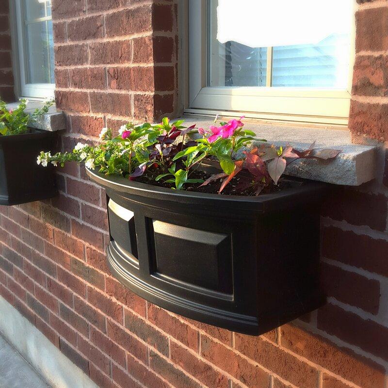Mayne Inc Nantucket Self Watering Plastic Window Box