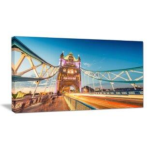 Tower Bridge Londres Landmark Boîte Carrée encadrée Toile Art Imprimé