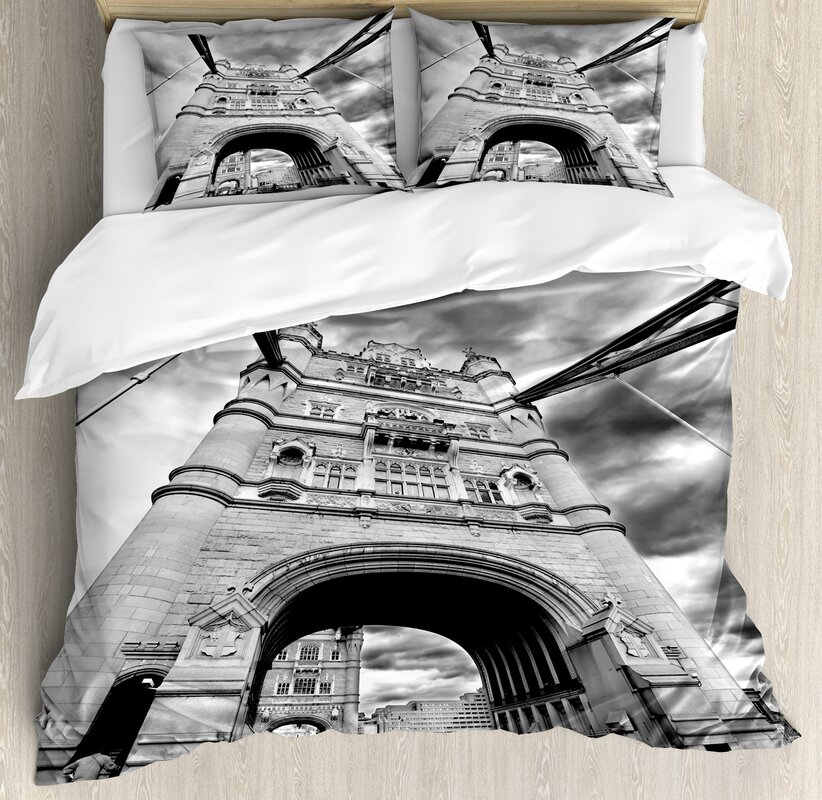Tower Bridge London England Urban Street Traffic European Historical Picture Duvet Set