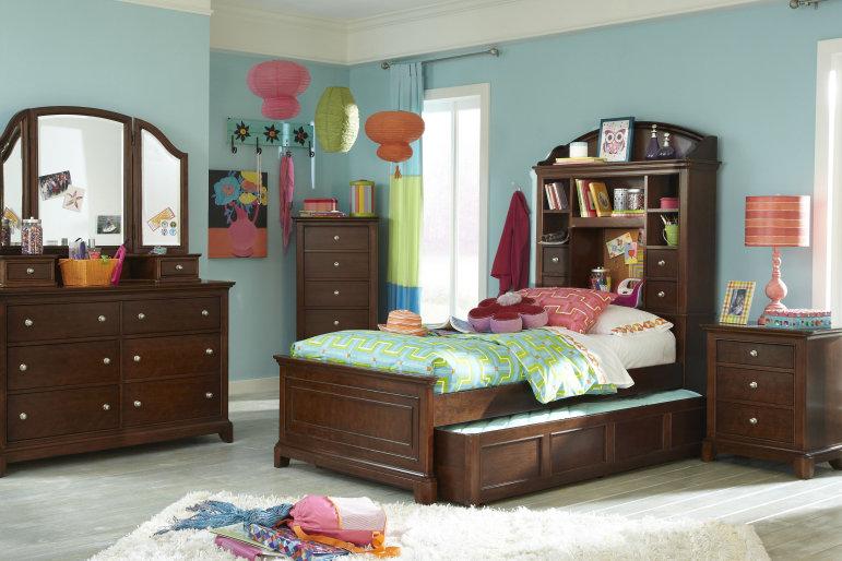 Latosha Captain Configurable Bedroom Set
