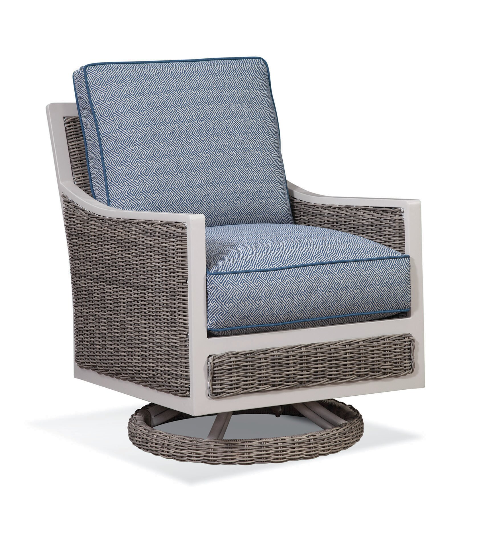 Surprising Molly Patio Swivel Patio Chair With Cushions Cjindustries Chair Design For Home Cjindustriesco
