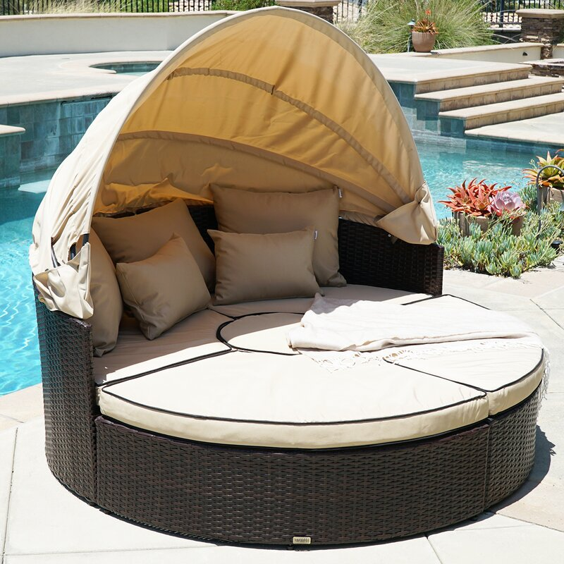 Attractive 5 Piece Outdoor Daybed Set With Cushions