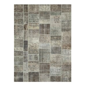 Nargund Hand-Knotted Gray Area Rug