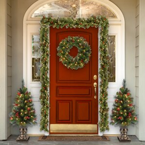 spruce pre lit wreath with clear lights - Christmas Wreaths With Lights