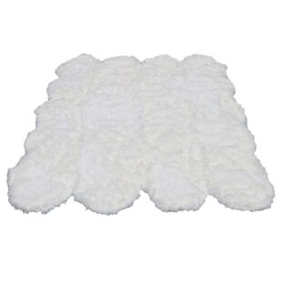 Online Reviews KeAndre Faux Fur White Area Rug By Everly Quinn