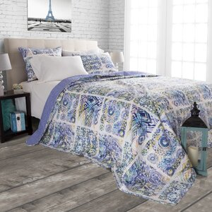 Melody Reversible Quilt Set