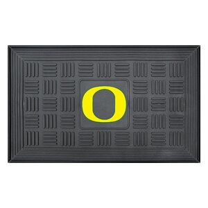 NCAA University of Oregon Medallion Door Mat