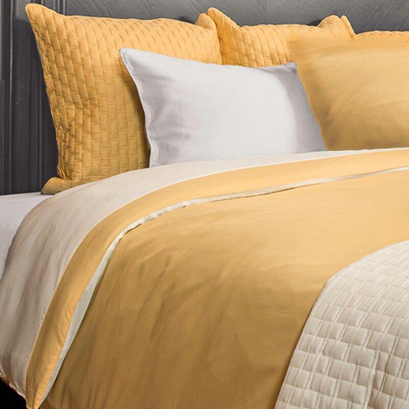 68 X 88 Kess Inhouse Heidi Jennnings Feeling Festive Red White Twin Comforter Comforters Comforters Sets