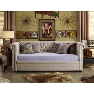 Bandecca Chesterfield Daybed by Mulhou..
