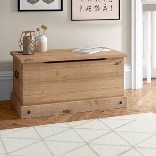Clic Corona Wooden Blanket Box