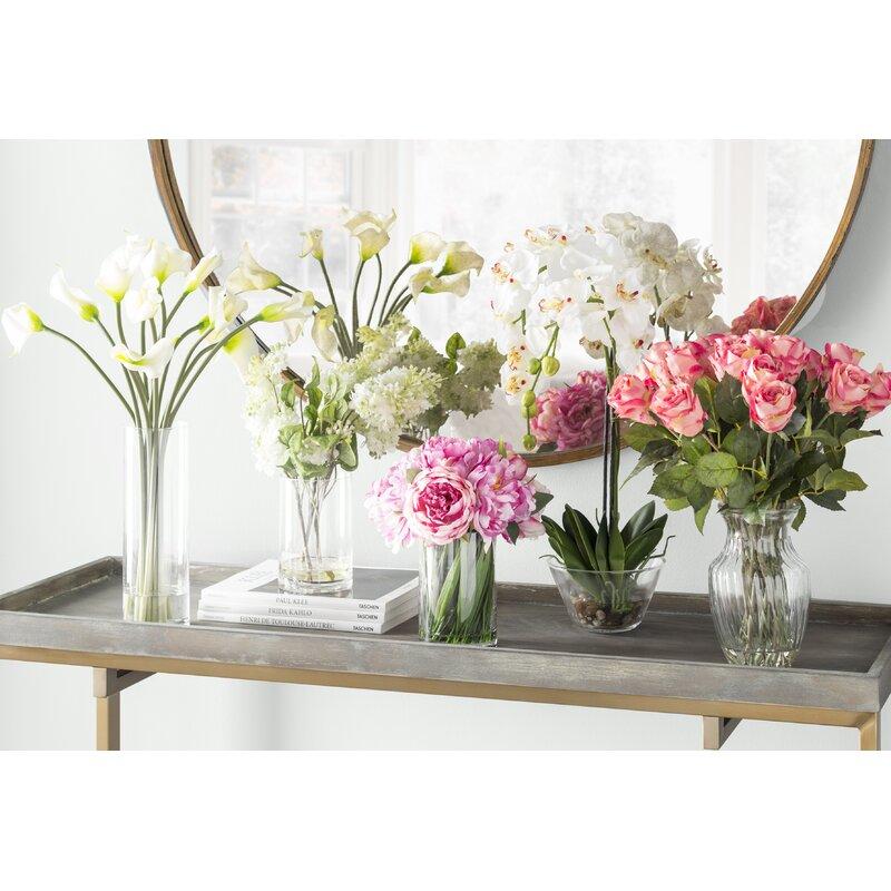 225 & Calla Lily Flower Arrangement in Flower Vase
