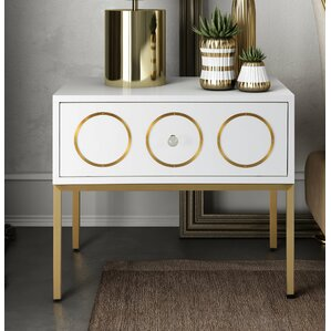 Alvarez End Table by Everly Quinn