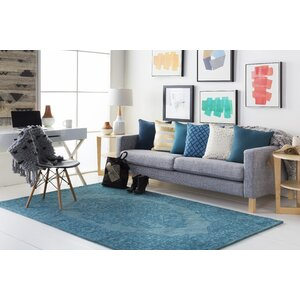 Middleton Cameron Hand-Tufted Teal Area Rug