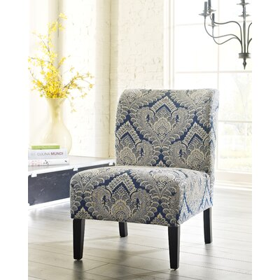 free fauteuil de chambre dcoratif chandler with petit fauteuil pour chambre. Black Bedroom Furniture Sets. Home Design Ideas