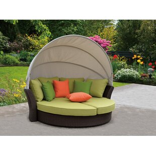 Linton Modern Outdoor Expandable Oval Daybed