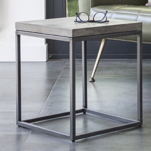 Perspective Side Table by Lyon Beton