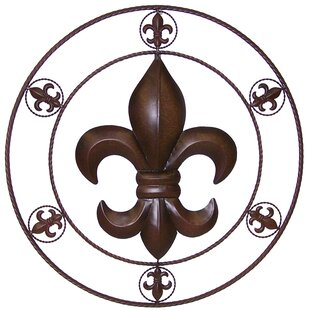 Circle Fleur De Lis Metal Wall Décor