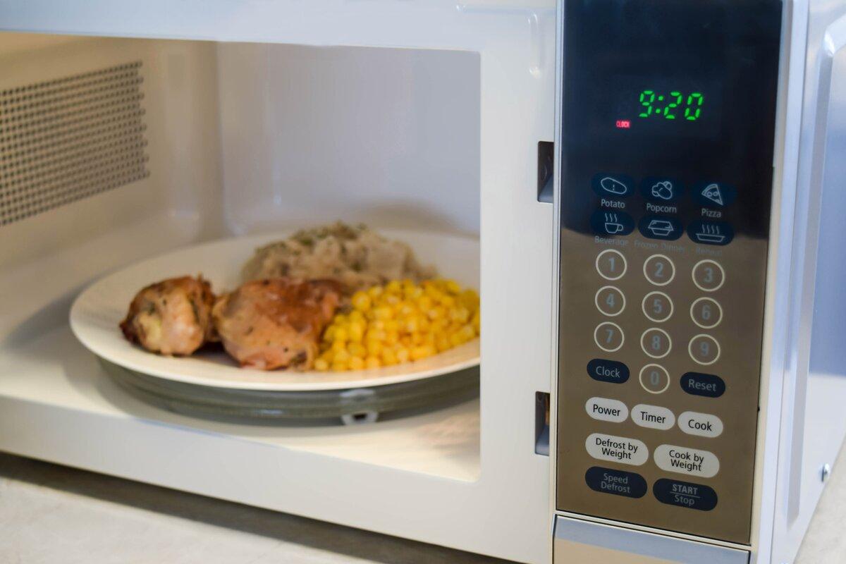 Micro-ondes de comptoir de cuisine 700W 0,7 pieds cubes