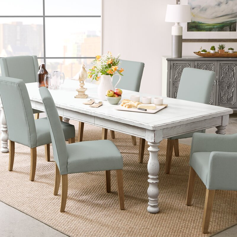 Charmant Canterbury Extendable Dining Table