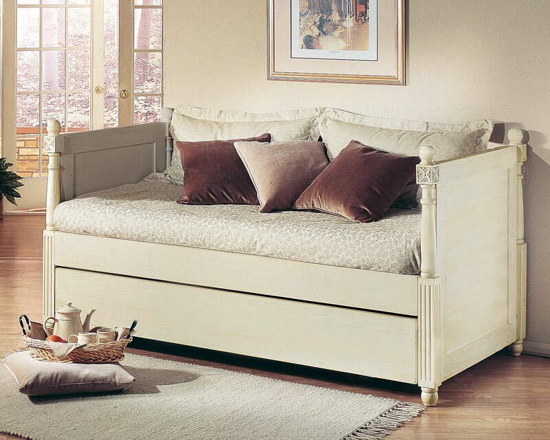 Monterey French Daybed With Pop Up Trundle
