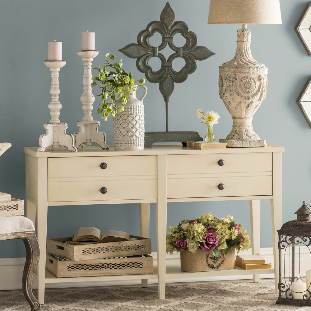 Cottage entryway furniture