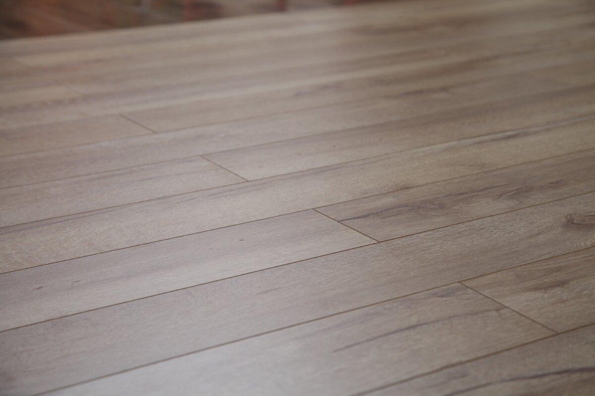 scraped hand buyislander carton laminate chestnut ft shop flooring sq swatch floors