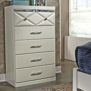 Redick 5 Drawer Chest by Willa Arlo Interiors