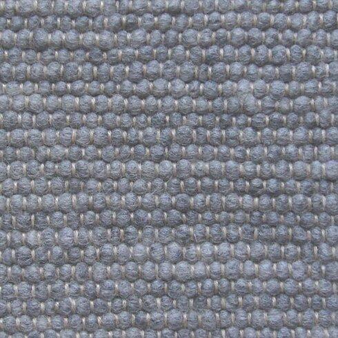 Handgearbeiteter Teppich  in Silbergrau