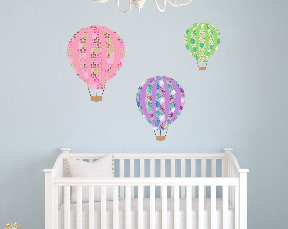 Charmant Patterned Hot Air Balloon Nursery Wall Decal