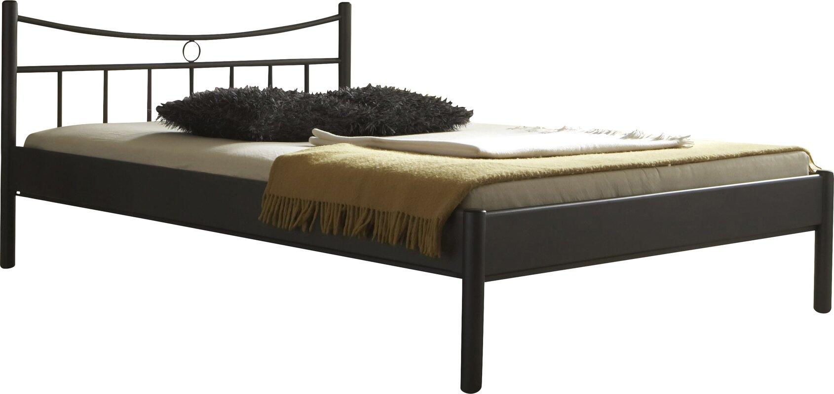eisenbett schwarz cheap metallbett schwarz mit himmel himmelbett emilia metallbett eisenbett. Black Bedroom Furniture Sets. Home Design Ideas
