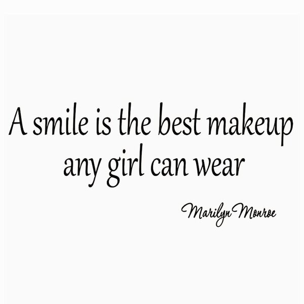 Vwaq A Smile Is The Best Makeup A Girl Can Wear Marilyn Monroe Quote