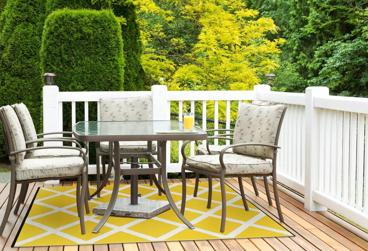 green decore innen und au enteppich in gelb wei. Black Bedroom Furniture Sets. Home Design Ideas
