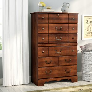 Elle 5 Drawer Chest by August Grove
