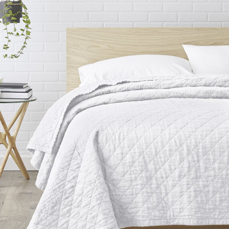 Susann Quilted Washed Belgian Linen Coverlet