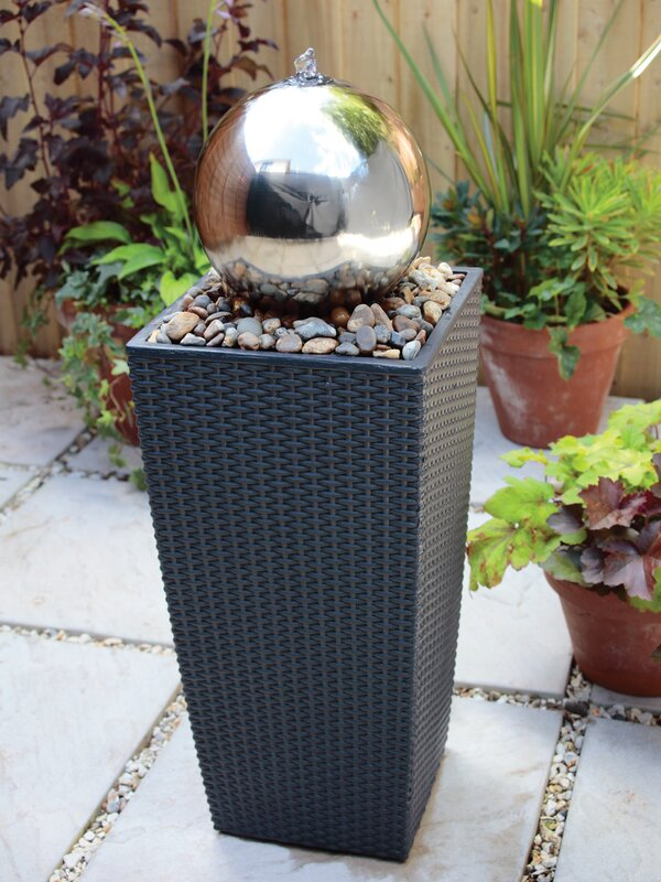 blagdon brunnen sphere aus edelstahl mit licht bewertungen. Black Bedroom Furniture Sets. Home Design Ideas