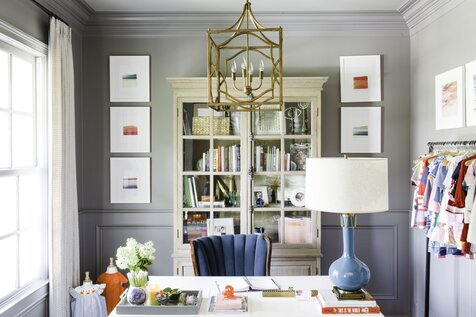 Photo Credit Bax Miller[C] Lantern Shades of Light[C] Desk Lamp Robert Abbey[C] Desk Chair Vintage[C] Book Photographs Etsy[C] Cabinet Gabby Home Bureau de style traditionnel