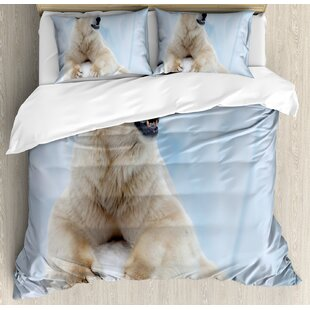 Portrait Of Large Polar Bear On Ice Claws Antarctica North Outdoors Duvet Set