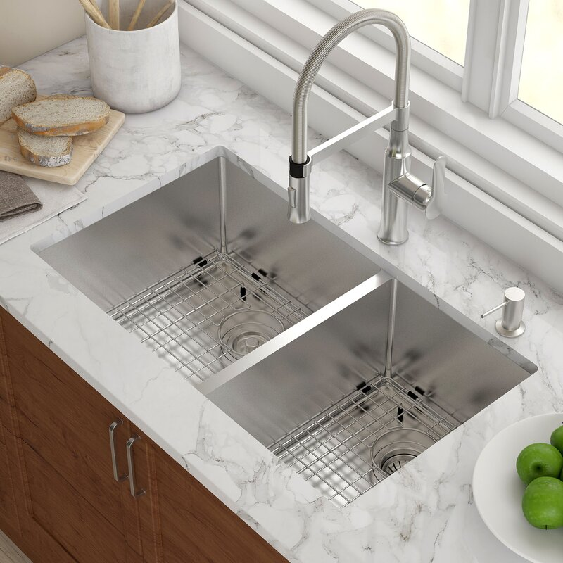 33 X 19 Double Basin Undermount Kitchen Sink With Drain Embly