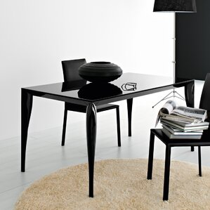 Martin Dining Table by YumanMod