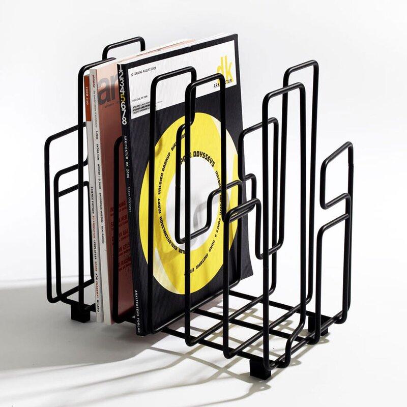 hokku designs zeitschriftenst nder. Black Bedroom Furniture Sets. Home Design Ideas
