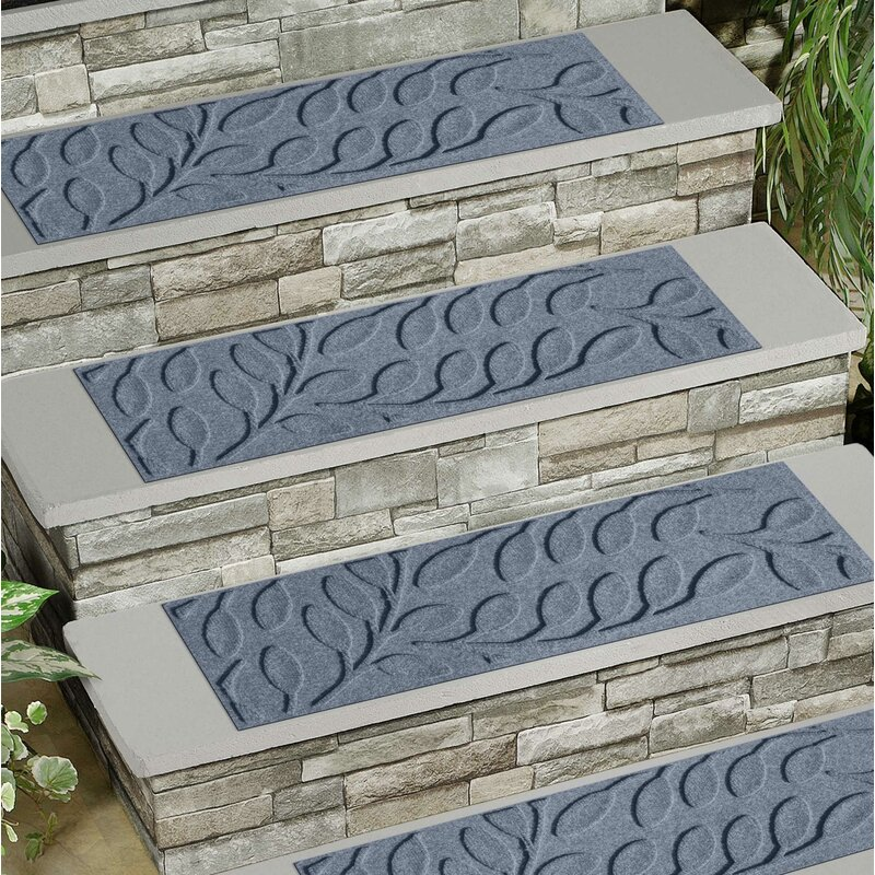 Beaupre Bluestone Leaf Stair Tread