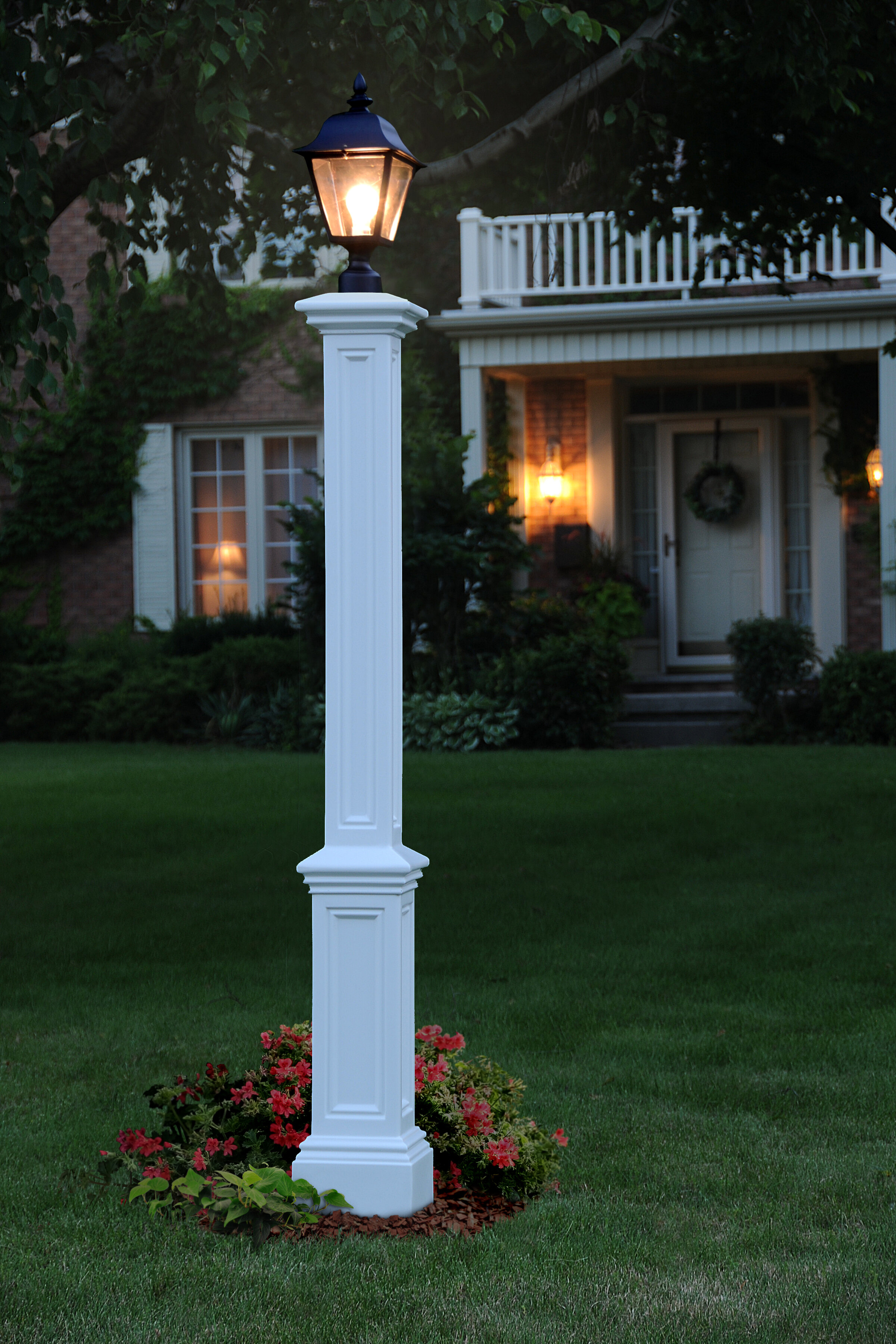 lighting on delightful and lamp aniston front ideas post yard sidewalk jennifer with light gardening curved designs
